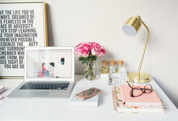 chọn hình nền đẹp cho website