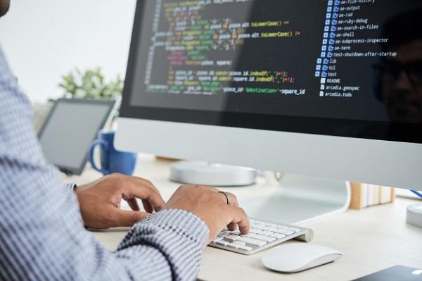 Lập trình viên làm việc Onsite được đào tạo bài bản về chuyên môn, kỹ năng quản lý